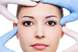 rhinoplasty-consultation