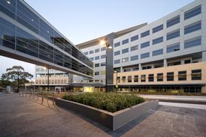 Macquarie_University_Hospital_610